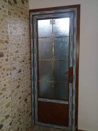 porte décorée faux bois